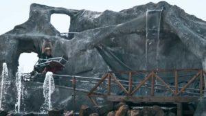 Este tipo construyó una réplica a escala del Matterhorn de Disneyland en su patio trasero - LifeSavvy