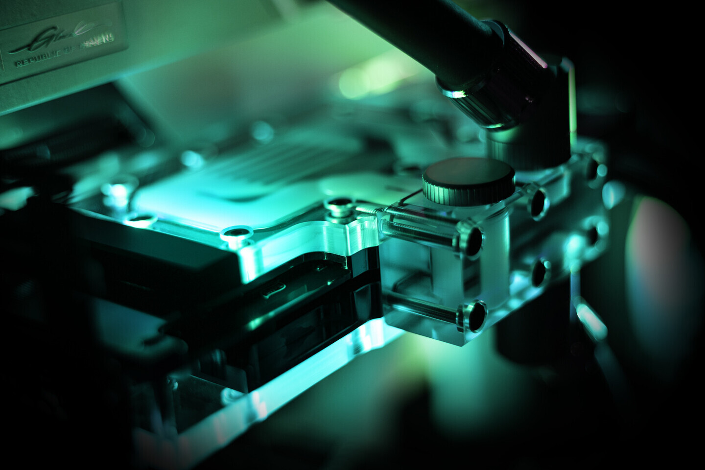 EK lanza la placa trasera activa para Zotac Trinity RTX 3080/3090
