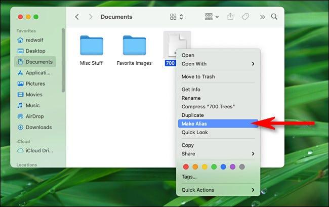 """Haga clic con el botón derecho en un archivo o carpeta y seleccione """"Hacer alias"""" del menú."""