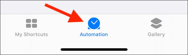 Toque la pestaña Automatizaciones de la aplicación Accesos directos