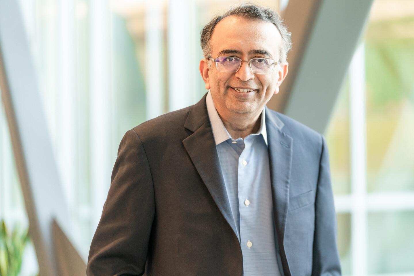 La junta de VMware nombra a Raghu Raghuram como director ejecutivo