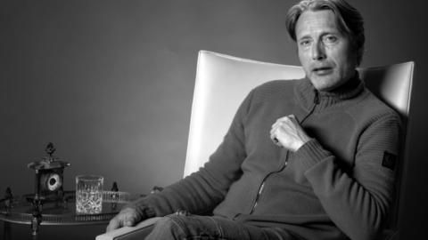 Mads Mikkelsen habla sobre reemplazar a Johnny Depp en Fantastic Beasts 3