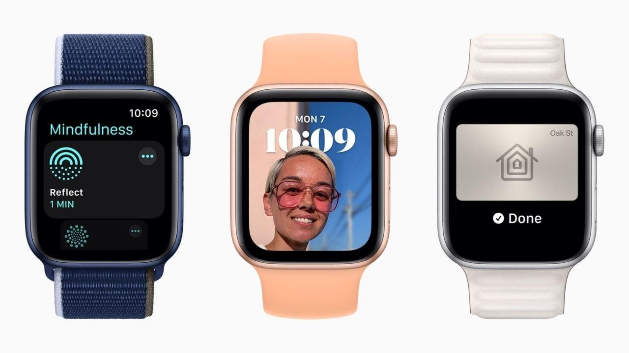 WatchOS 8 ahora te permite personalizar la esfera del reloj, hasta cierto punto.  Imagen: Apple