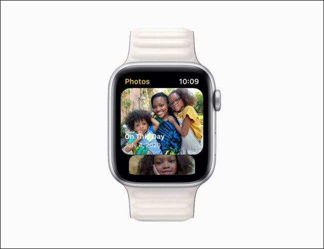 Apple Watch que muestra la aplicación Fotos de watchOS 8.