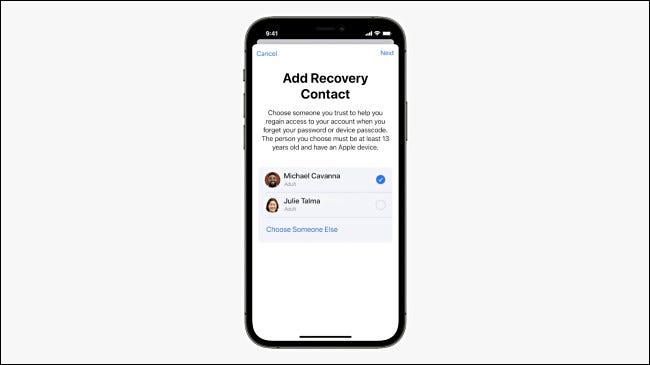 Agregar un contacto de recuperación en iPhone.