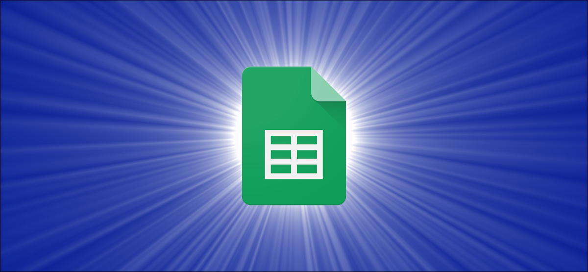 Logotipo de Google Sheets sobre un fondo azul degradado.