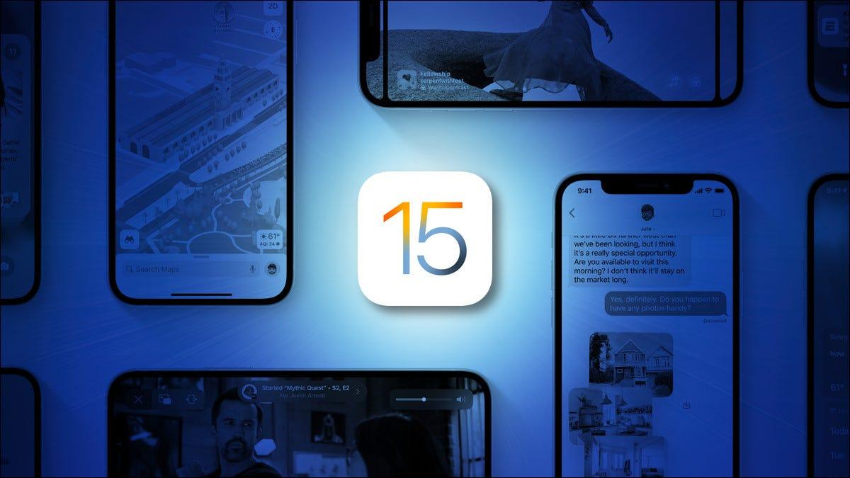 Logotipo de Apple iOS 15 sobre un fondo azul