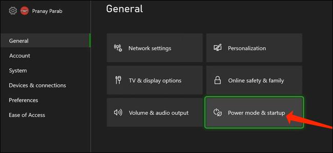 """Para acceder a la opción de apagado completo, seleccione """"Modo de energía e inicio"""" en la sección General de la configuración de Xbox."""