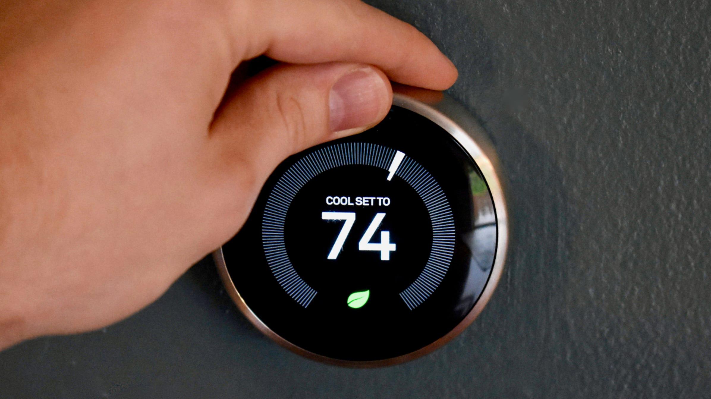 ¿Pueden las compañías eléctricas ajustar de forma remota su termostato inteligente?