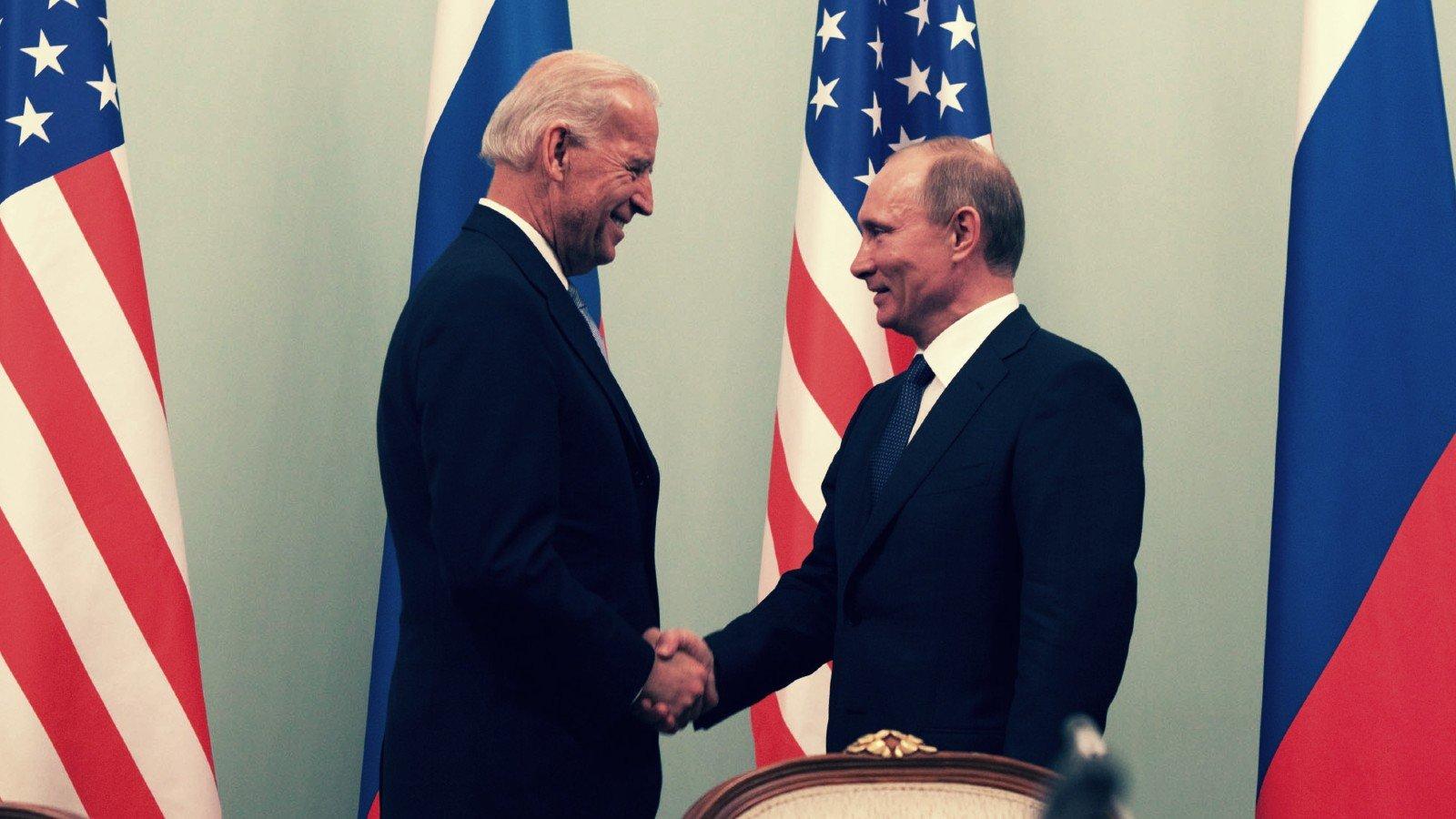 Biden le pide a Putin que tome medidas enérgicas contra las bandas de ransomware con sede en Rusia