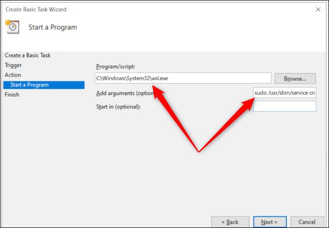 Opciones del programa del Programador de tareas de Windows 10 con flechas rojas que apuntan a la ruta del programa y al cuadro de entrada de texto de argumentos adicionales.
