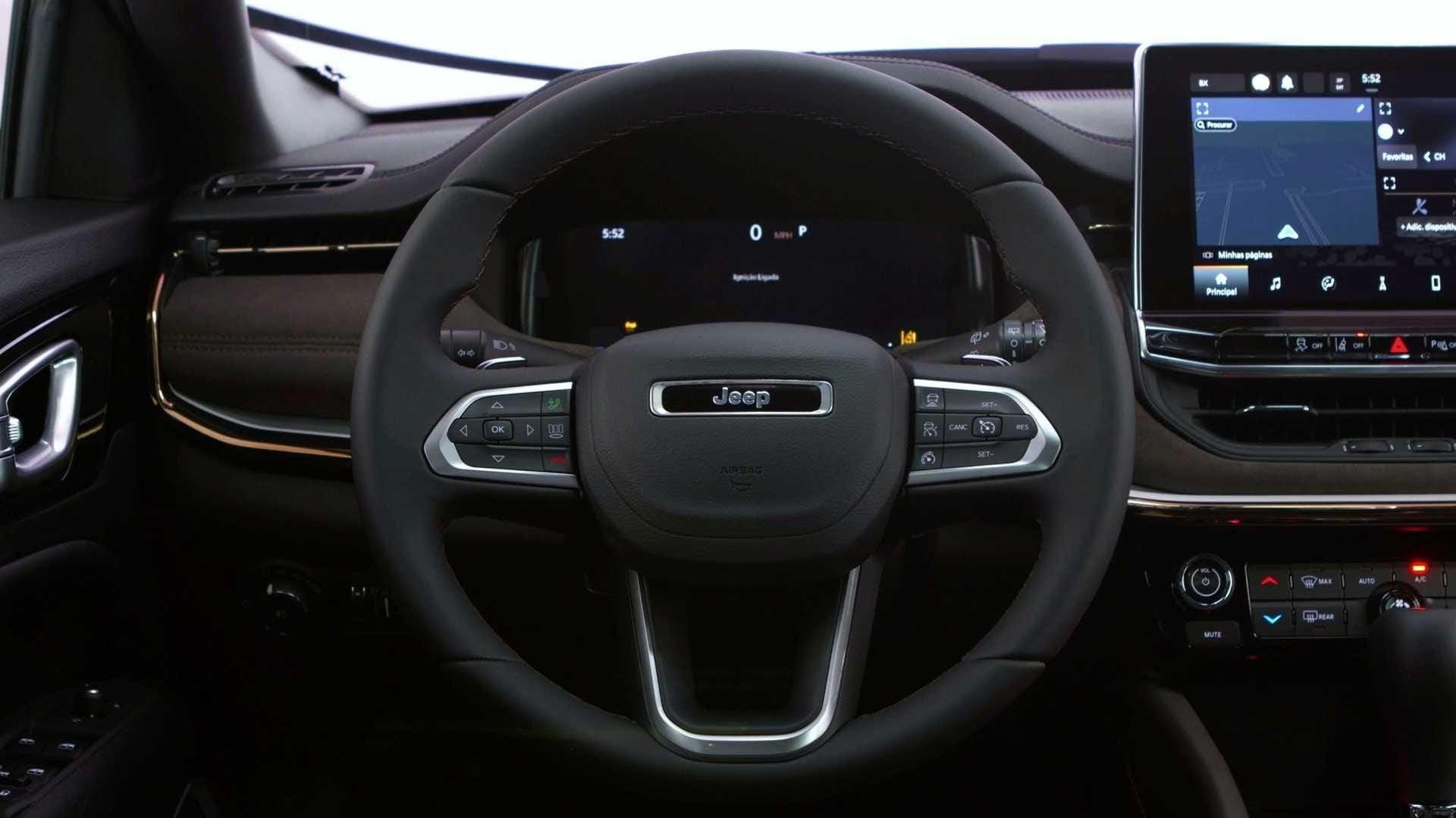 El diseño del tablero del Jeep Meridian se mantiene más o menos sin cambios en comparación con el Compass.  Imagen: Jeep