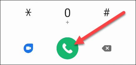 Ingrese el número y toque el botón verde del teléfono para realizar la llamada.