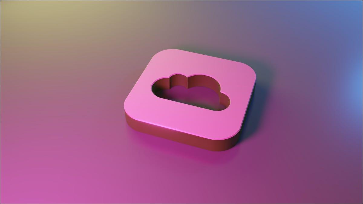 Logotipo 3D de Apple iCloud en superficie azul y violeta