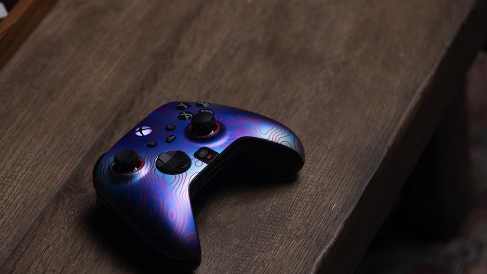El Scuf Instinct viene en una variedad de colores y temas.