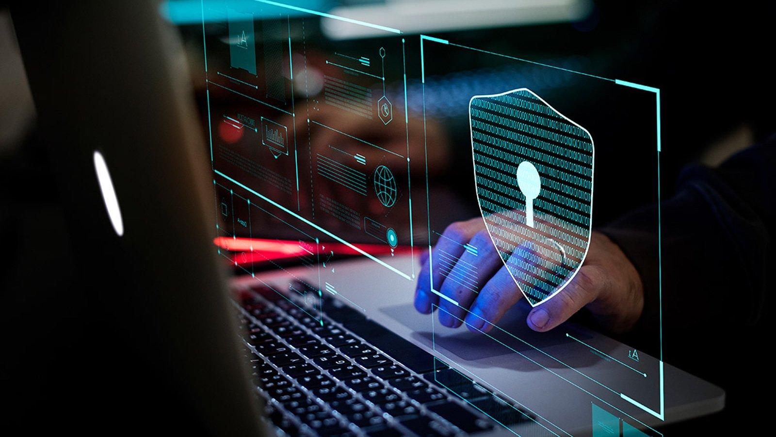 Ex agentes de inteligencia de EE. UU. Pagarán 1,6 millones de dólares por pirateo para gobierno extranjero