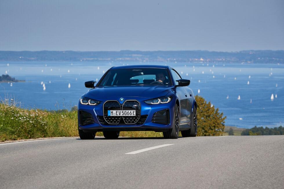 Puede que el i4 M50 no sea un monstruo de Nürburgring como el M3, pero es un sedán eléctrico rápido y potente que se conduce bien y cuenta con una tecnología inteligente.