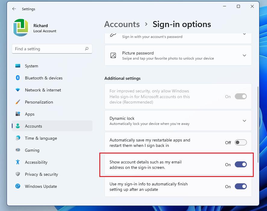 Windows 11 muestra los detalles de la cuenta en la pantalla de inicio de sesión